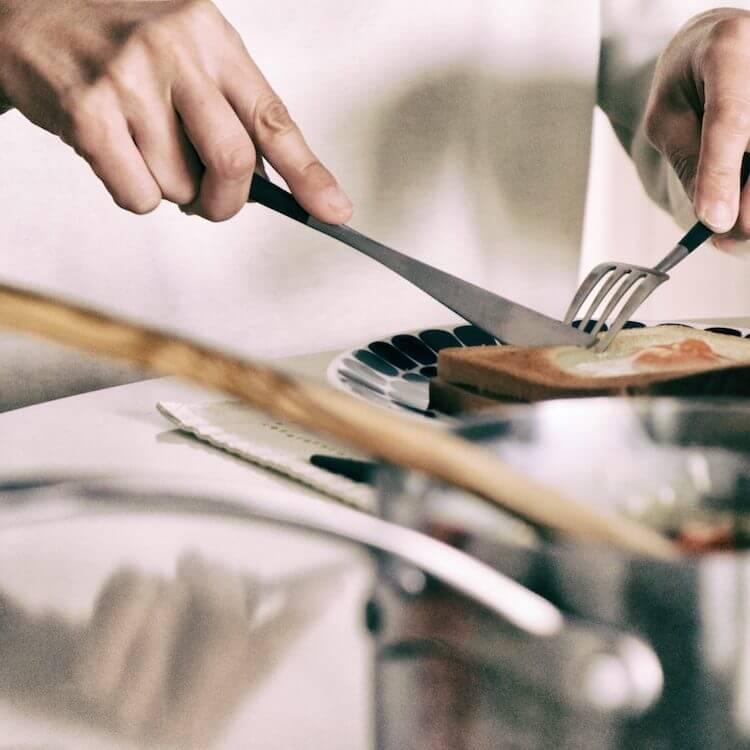 クチポールのディナーナイフ